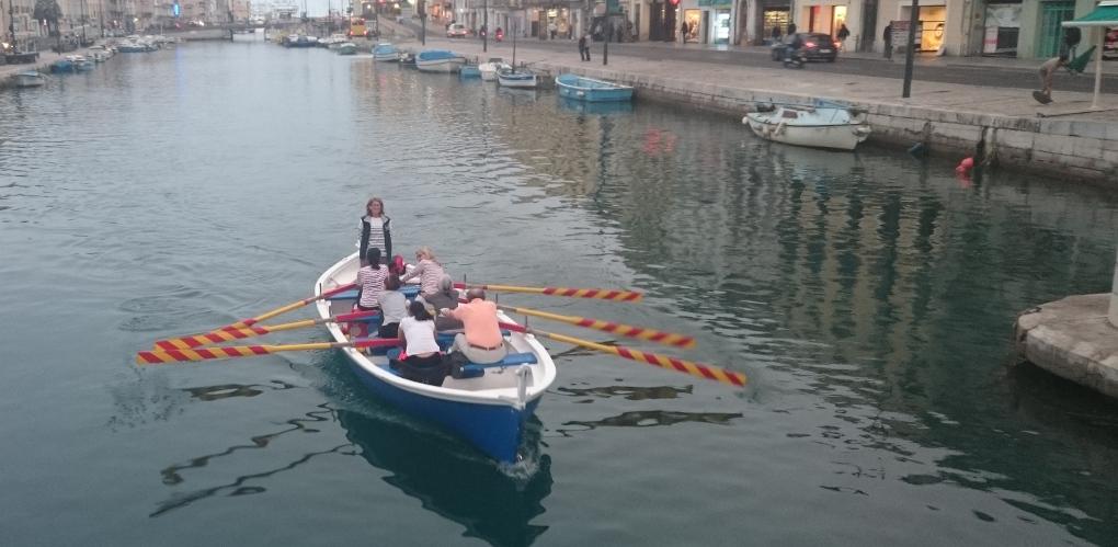 barque-bleue-corinne