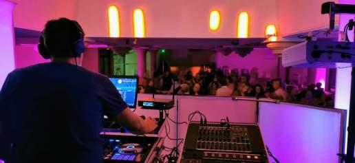 Soirée magistralement animée par le DJ Sono Sud Production après un excellent couscous